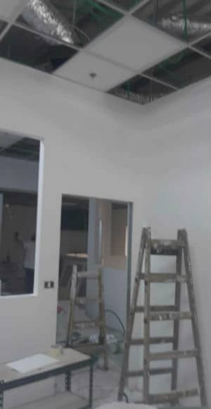 בנייה של קירות גבס
