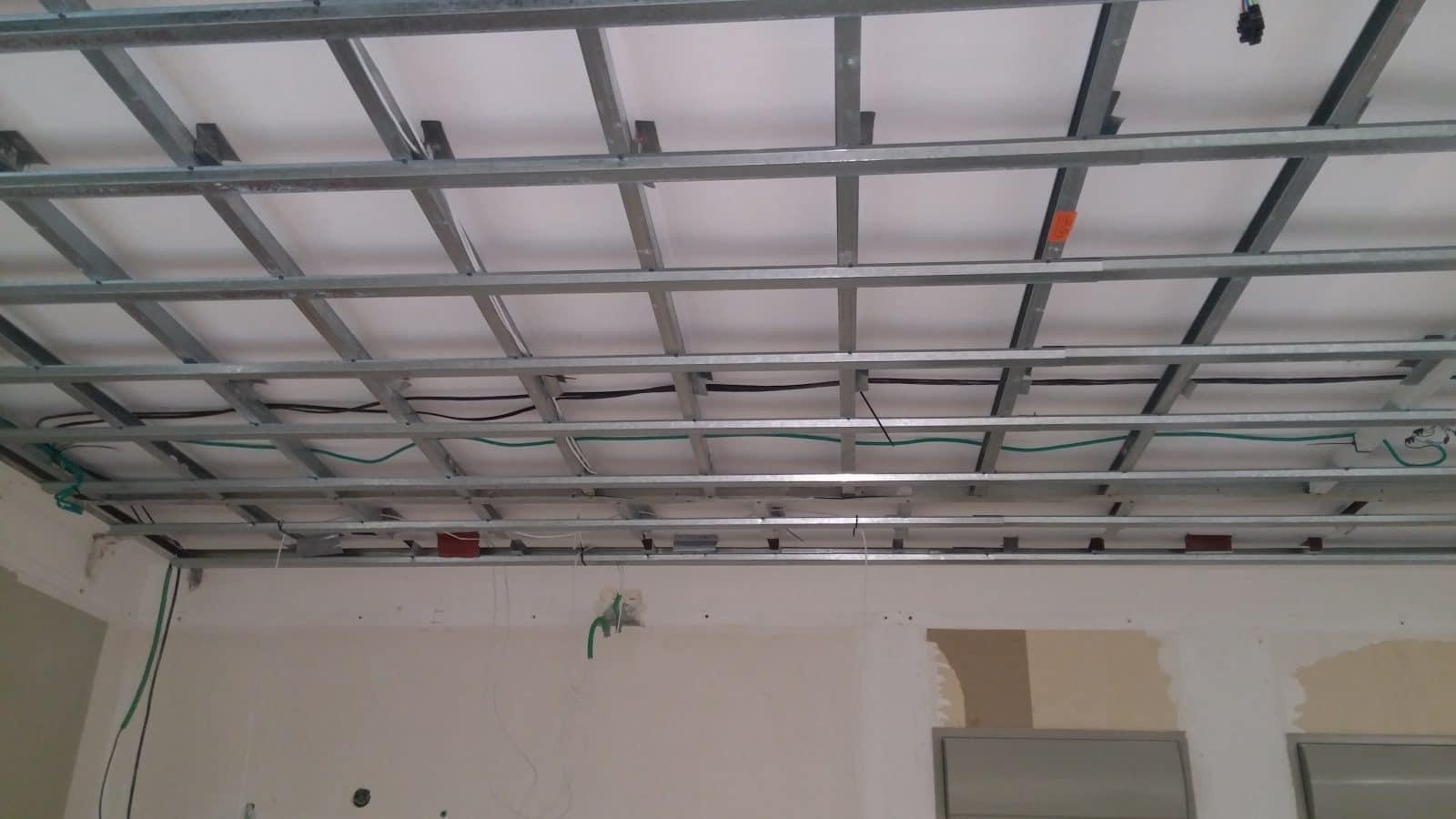 בניית קונסטרוקציה לתקרה - שילוב אומגות