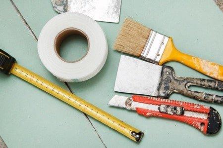 כלים לבניית קיר גבס