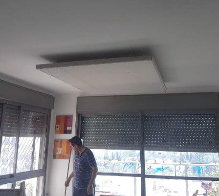 תקרת גבס צפה - במהלך העבודה