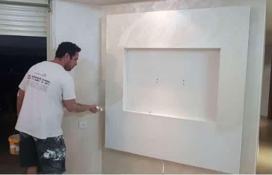 בניית קיר גבס לטלויזיה