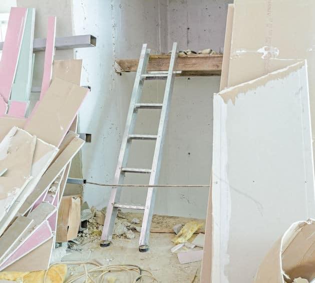 פירוק קיר גבס